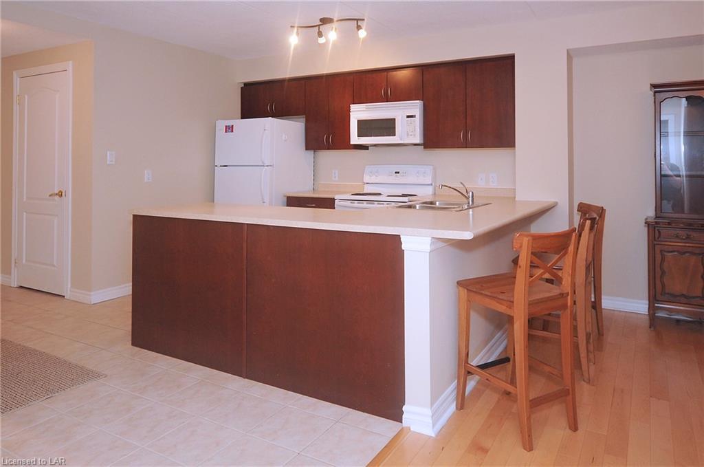486 LACLIE Street Unit# 202, Orillia, Ontario (ID 218590)