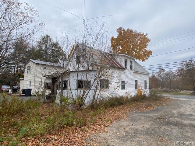 118 + 120 Greenwood Drive, Fredericton, New Brunswick (ID NB050930)