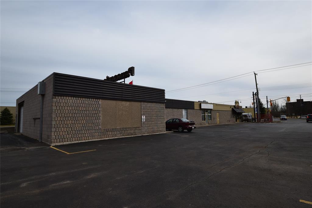 575 MURPHY Road, Sarnia, Ontario (ID 21003468)