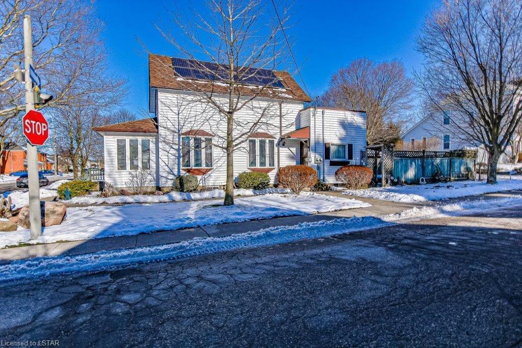 54 WINNIETT Street, Woodstock, Ontario (ID 40055169)