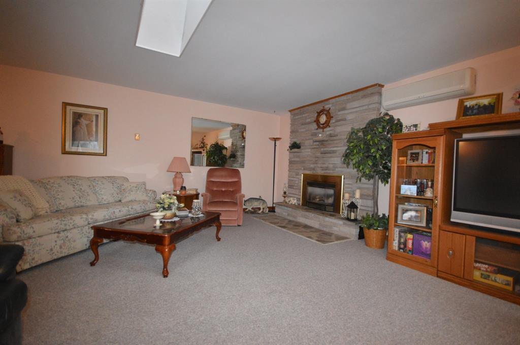 9871 PHOEBE Lane, Lambton Shores, Ontario (ID 20000260)