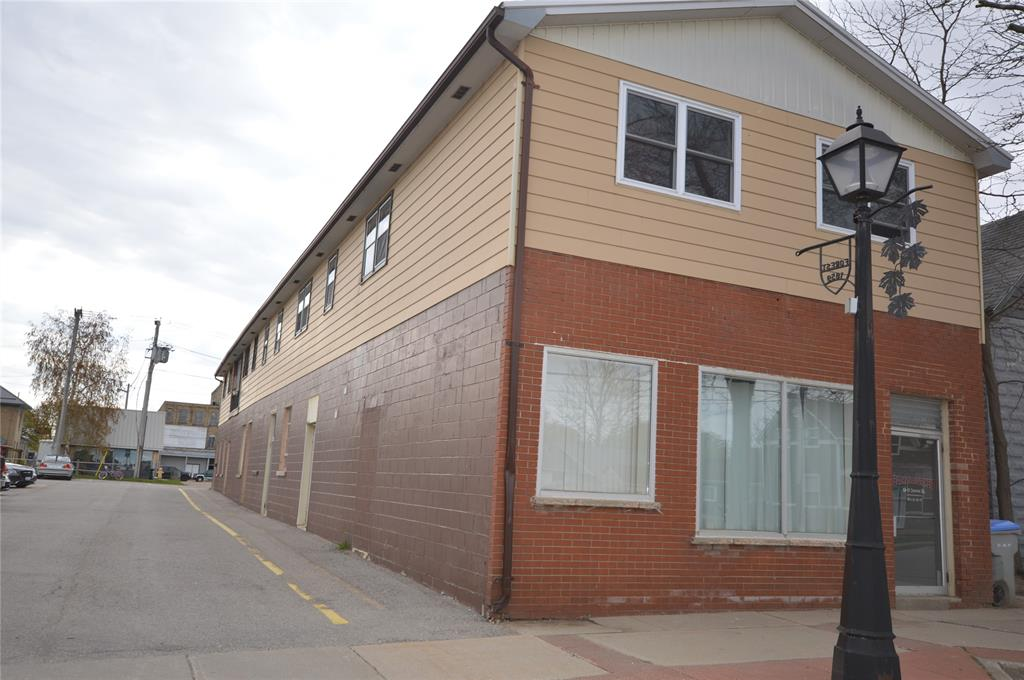 13 JAMES Street North, Lambton Shores, Ontario (ID 21005744)