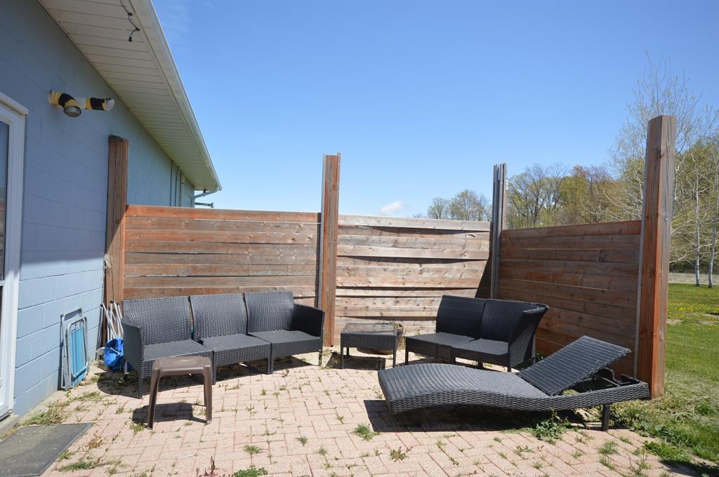 5697 LAKESHORE Road, Plympton-wyoming, Ontario (ID 21006677)