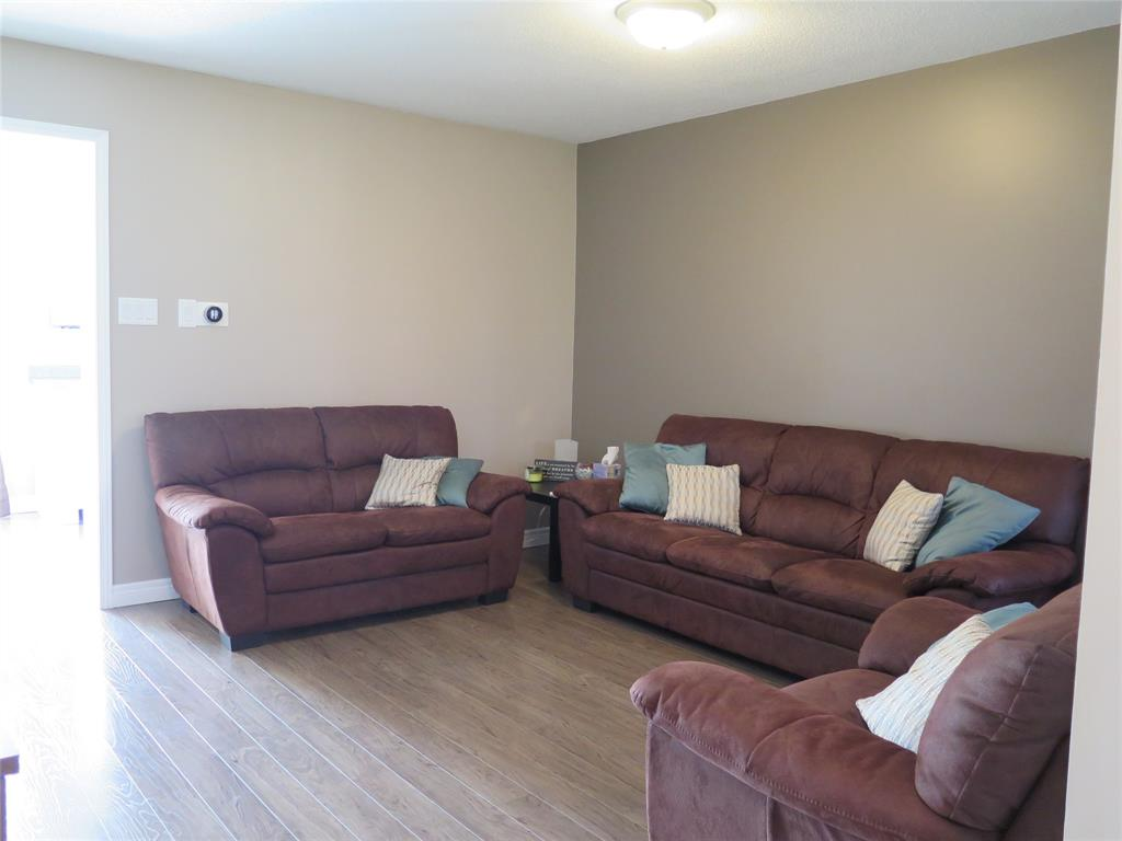 238 PARKVIEW, Strathroy, Ontario (ID 19021489)