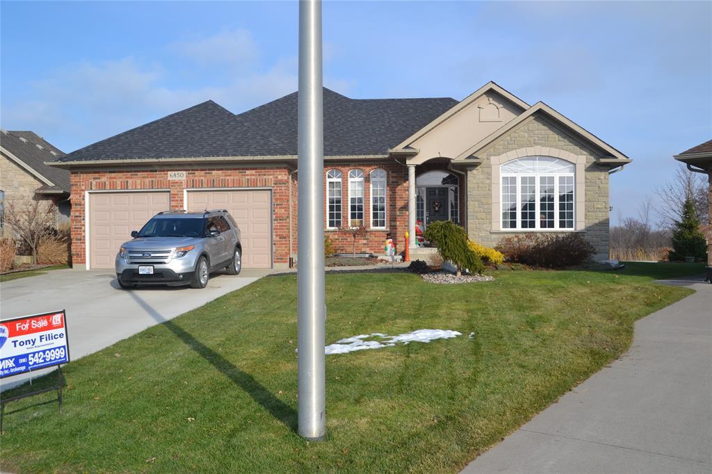 6850 CREEKSIDE Drive, Plympton-wyoming, Ontario (ID 19028194)
