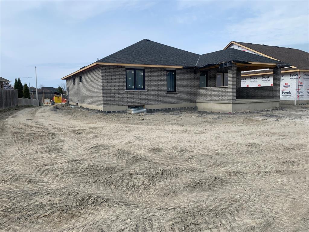 73 KAMAL Drive, Sarnia, Ontario (ID 21004244)