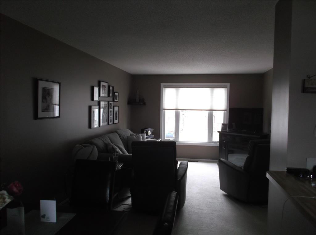 4357 SIXTH Street, Petrolia, Ontario (ID 21006663)