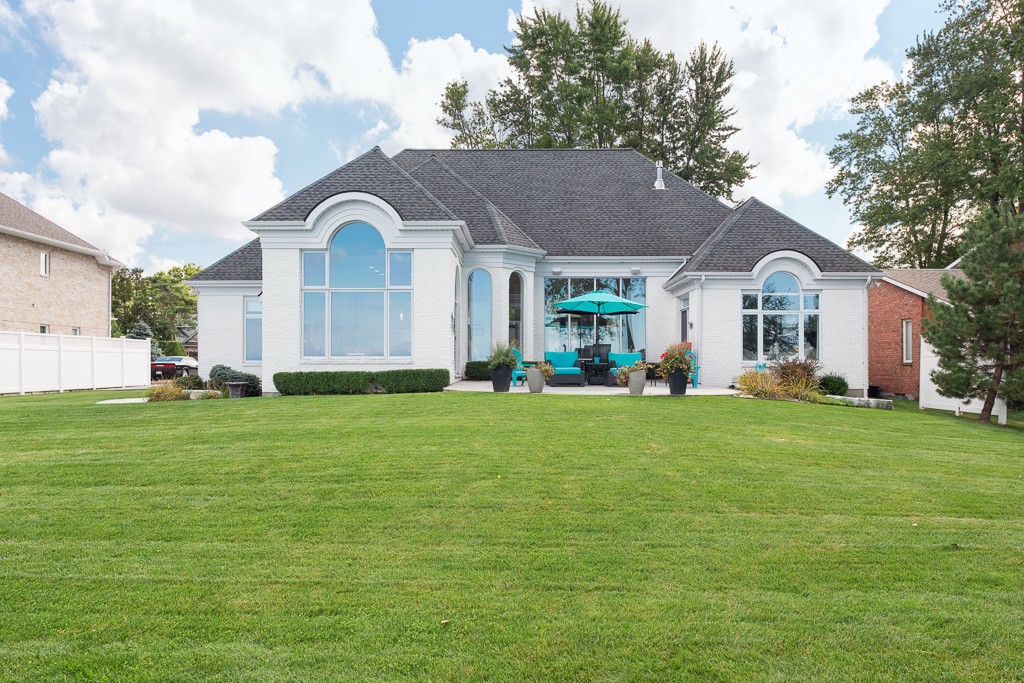 3260 DEVONSHIRE RD, Plympton-wyoming, Ontario (ID 201877798)
