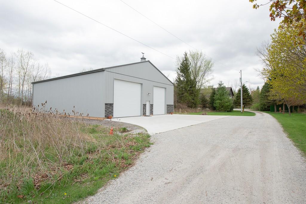 2399 MICHIGAN LINE, Sarnia, Ontario (ID 201878566)