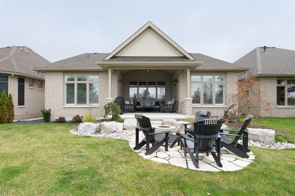 1069 MIKE WEIR Drive Unit# 41, Sarnia, Ontario (ID 20000088)