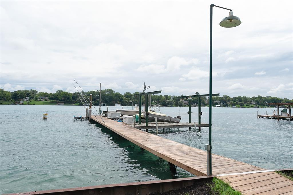 S10A STAG ISLAND, St. Clair, Ontario (ID 20006112)