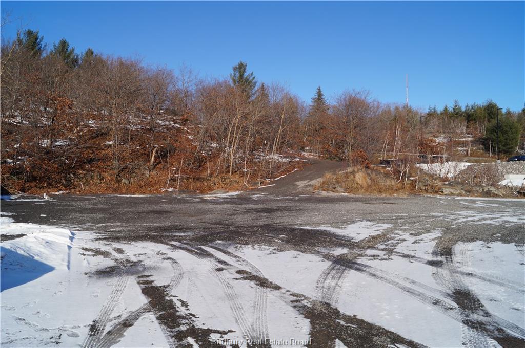 800 Kingsway, Sudbury, Ontario (ID 2083453)