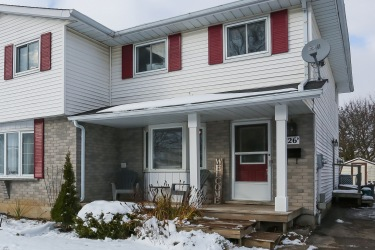 126B Northlake Dr, Waterloo, Ontario (ID 30776234)