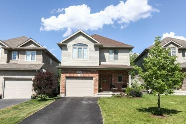 610 Woodlawn Pl, Waterloo, Ontario (ID 30525783)