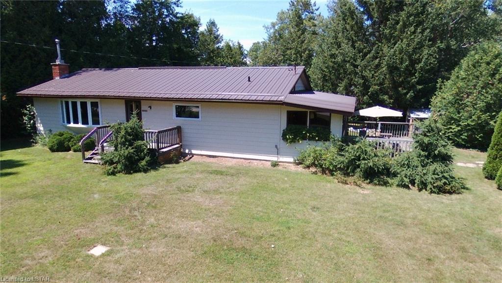 6532 SUNSET Avenue, Lambton Shores, Ontario (ID 275511)