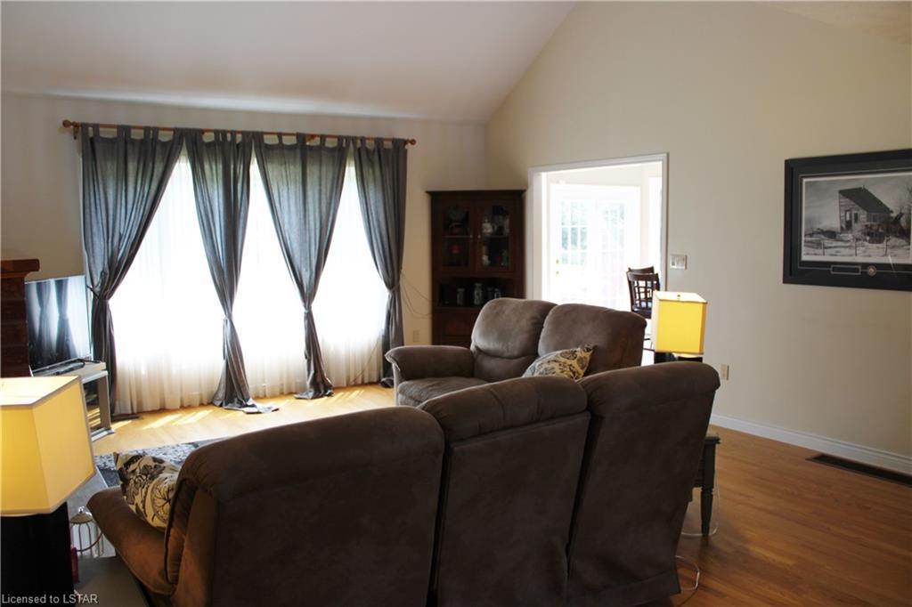 30 LIDDERDALE Street, Bayfield, Ontario (ID 213025)