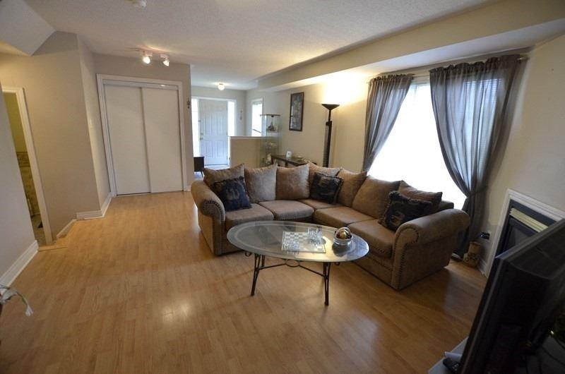 74 Snedden Ave, Aurora, Ontario (ID N4880205)