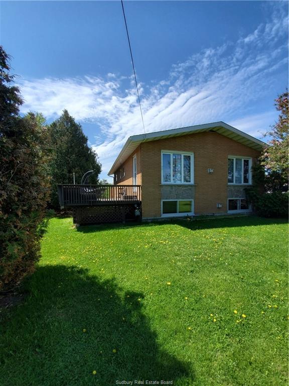 11 Main Street W, Dowling, Ontario (ID 2084739)