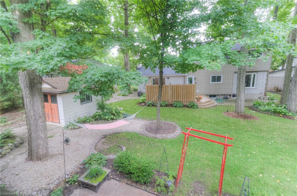217 PINEGROVE Crescent, Waterloo, Ontario (ID 40164737)