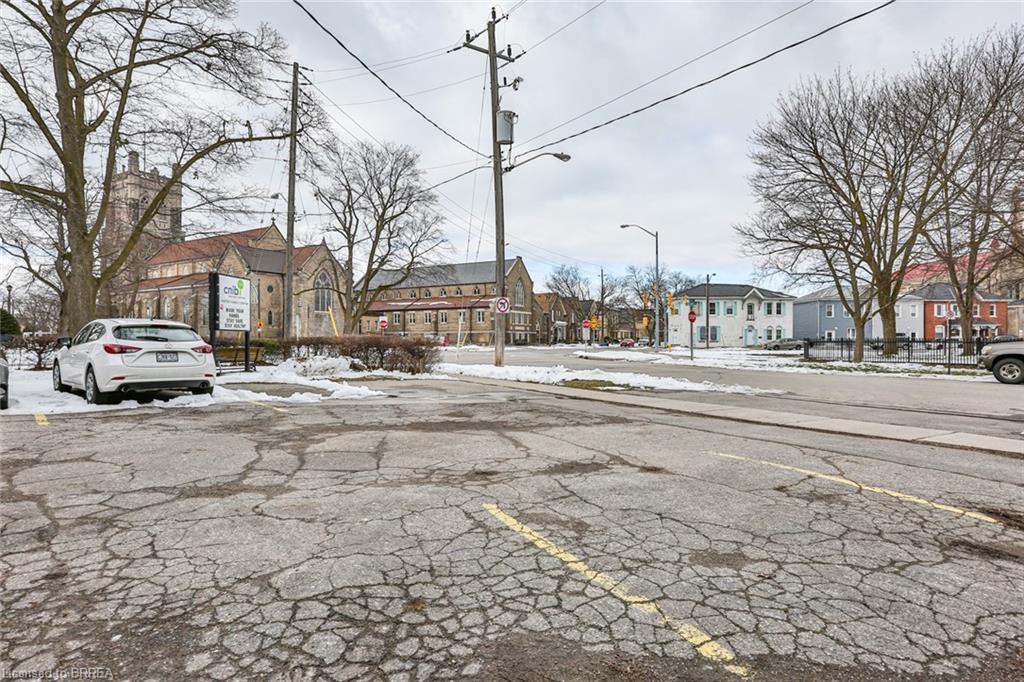 67 KING Street N, Brantford, Ontario (ID 40089286)