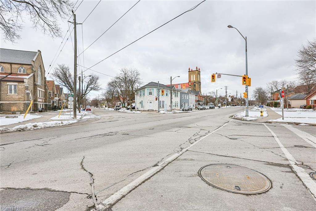 67 KING Street N, Brantford, Ontario (ID 40089290)