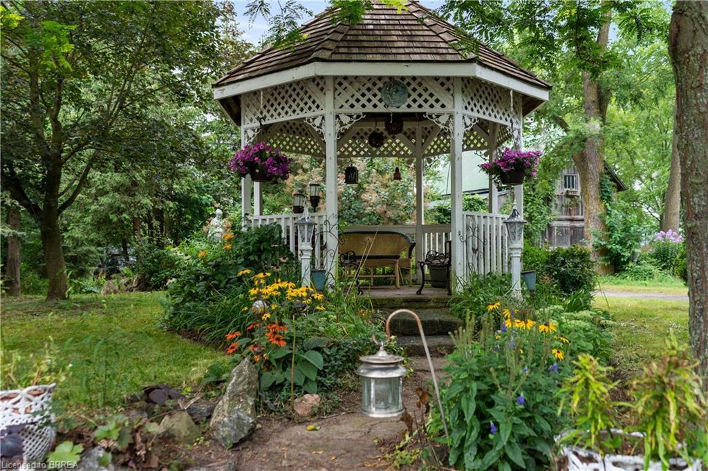 1329 OLD HIGHWAY 8, Flamborough, Ontario (ID 40152067)