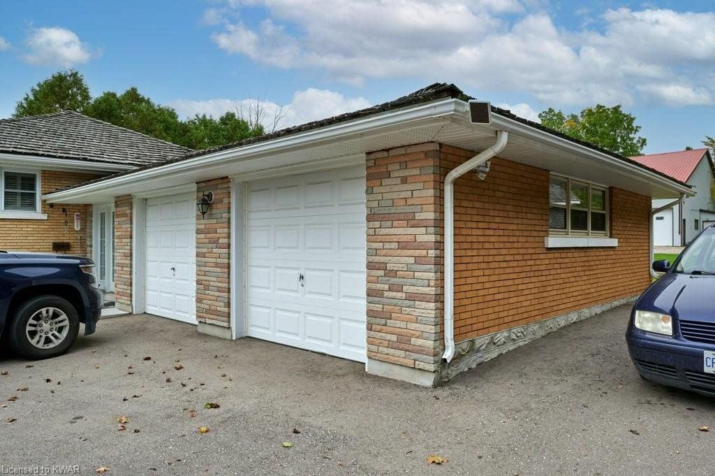 1694 SNYDERS Road E, Petersburg, Ontario (ID 40174571)