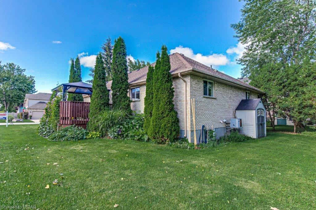 196 GIBSON Crescent, Lucan, Ontario (ID 40138159)