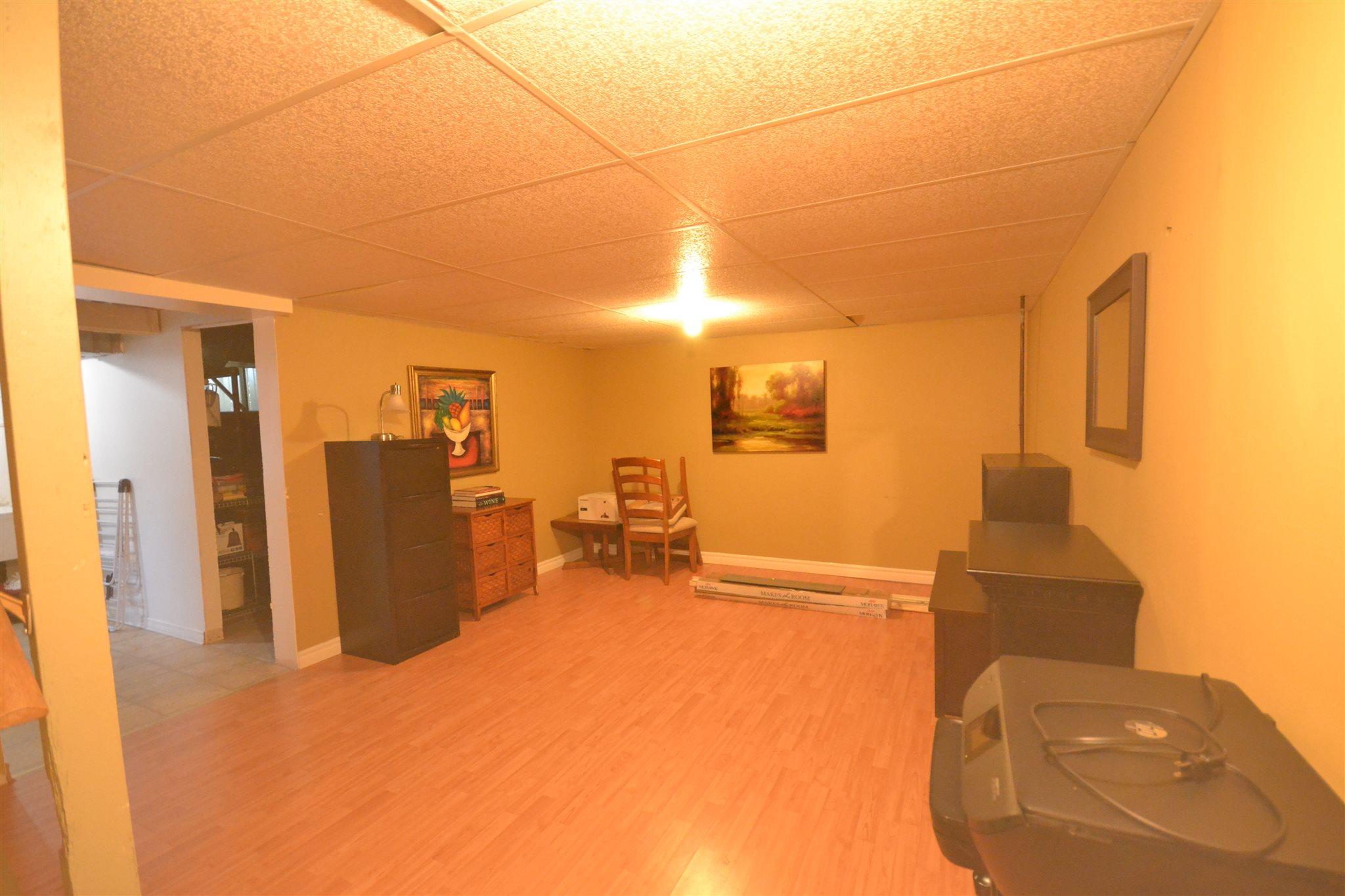 294 OWENS Crescent, Kingston, Ontario (ID K19005245)