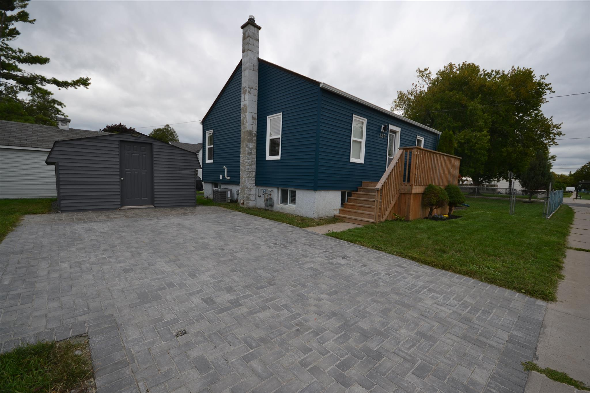 136 Kingscourt Avenue, Kingston, Ontario (ID K20005113)
