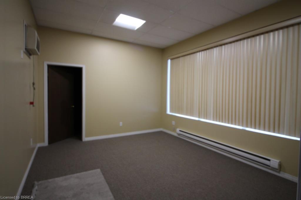 84 COPERNICUS Boulevard Unit# 1, Brantford, Ontario (ID 40022656)
