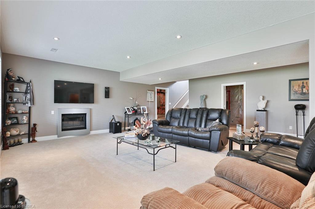42 WOODSIDE Drive, Mount Pleasant, Ontario (ID 40092154)