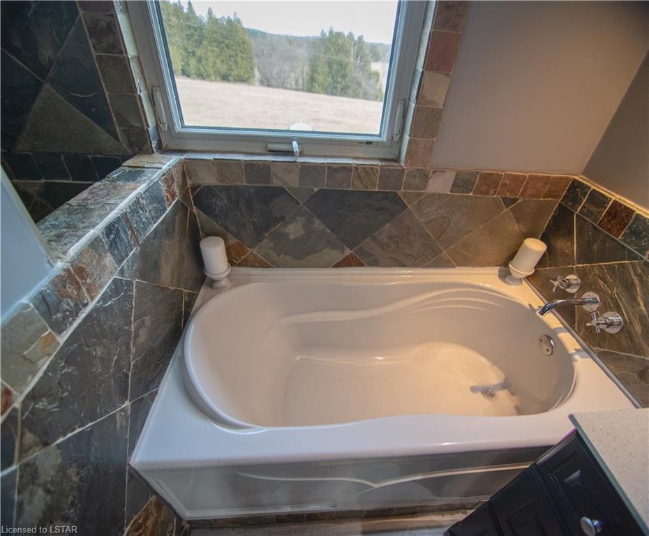 52 CONCESSION 2 SDR Road, Walkerton, Ontario (ID 40070657)