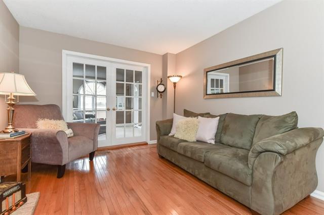 15 DEERWOOD Crescent, Kitchener, Ontario