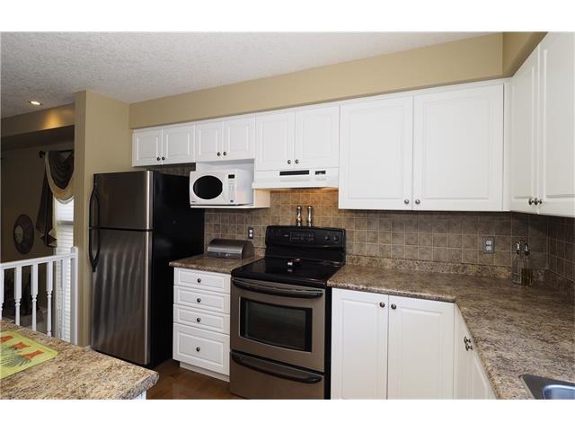 648 Activa Avenue, Kitchener, Ontario (ID 30533055)
