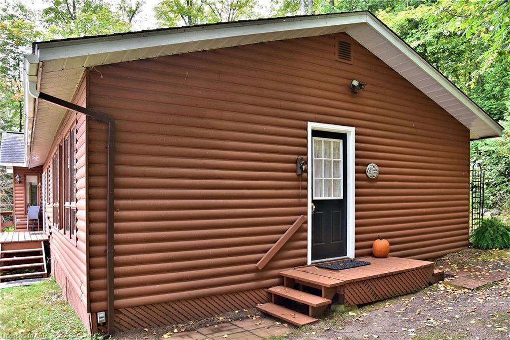 1025 CANE Lane, Haliburton, Ontario (ID 223458)