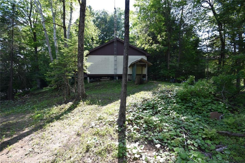 1036 TAILFEATHER Road, Haliburton, Ontario (ID 270454)