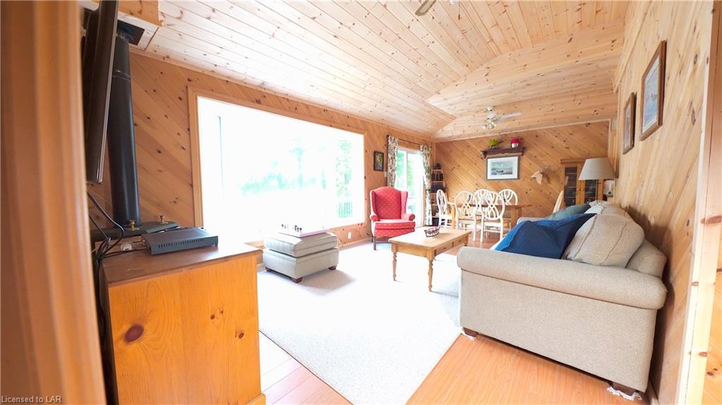 1035 MAGPIE Trail, Haliburton, Ontario (ID 279767)