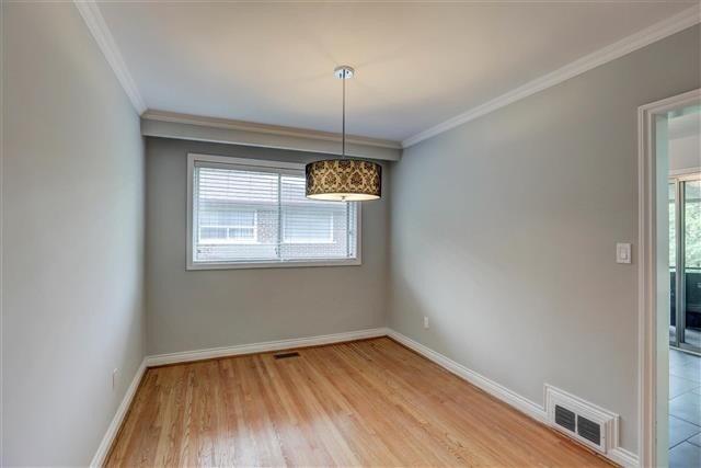 10 Shand Ave, Toronto, Ontario (ID W4663650)