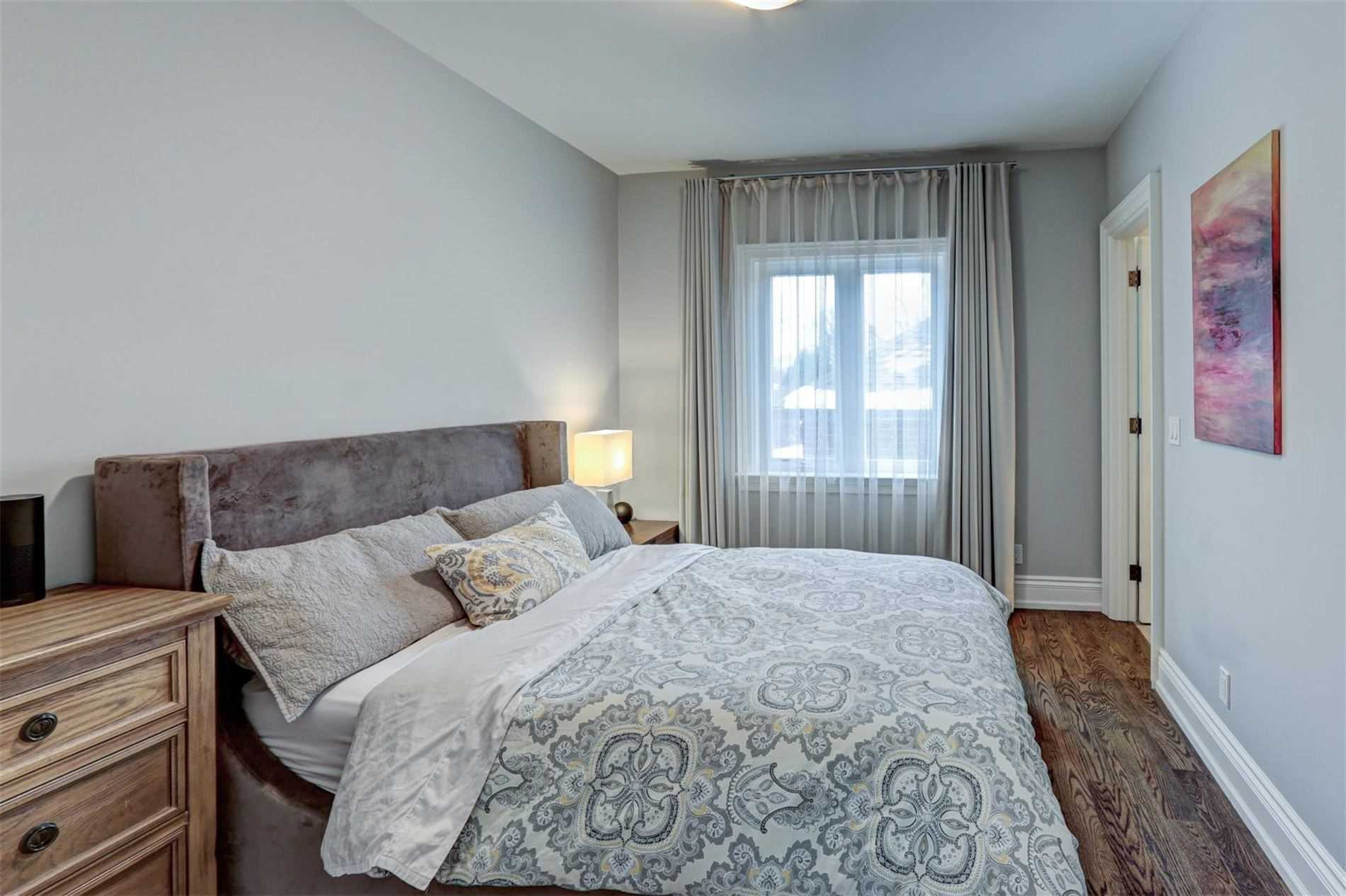 10 Mattice Rd, Toronto, Ontario (ID W4666277)