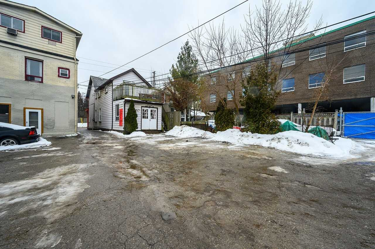 4168 Dundas St W, Toronto, Ontario (ID W4707941)
