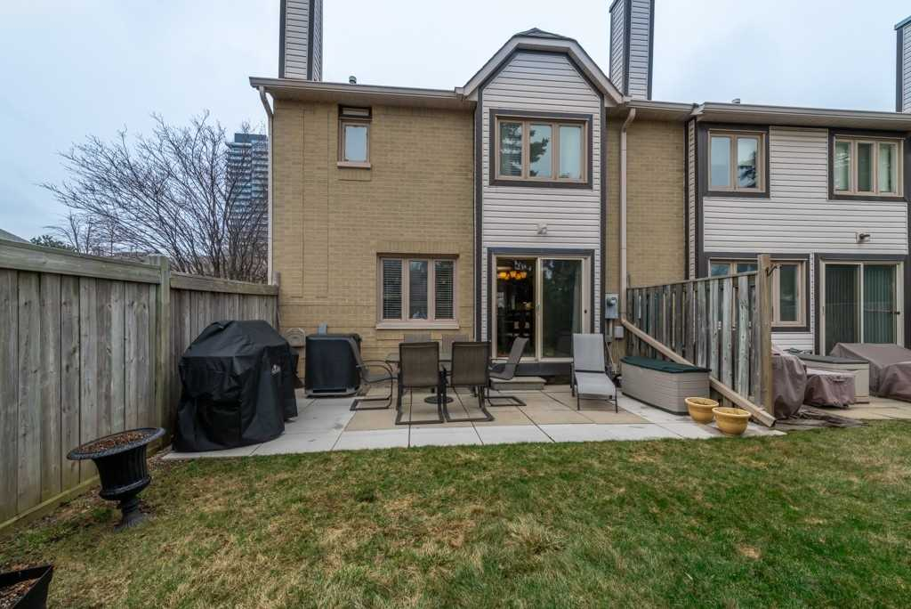 2275 Credit Valley Rd, Mississauga, Ontario (ID W4729534)