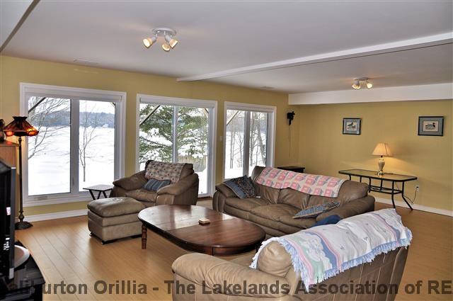 1104 OLIVER RD, Carnarvon, Ontario