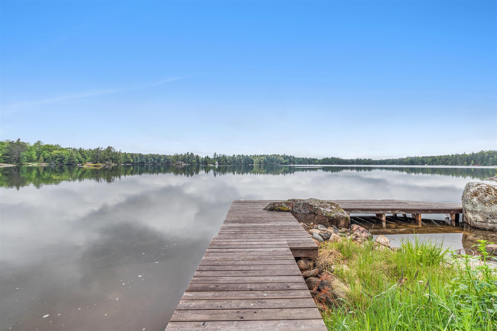 1025 Oakridge Point Lane, Kingston, Ontario (ID K21003674)