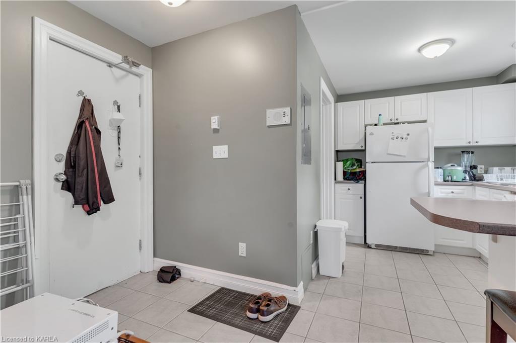 402 BAGOT Street, Kingston, Ontario (ID 40152262)