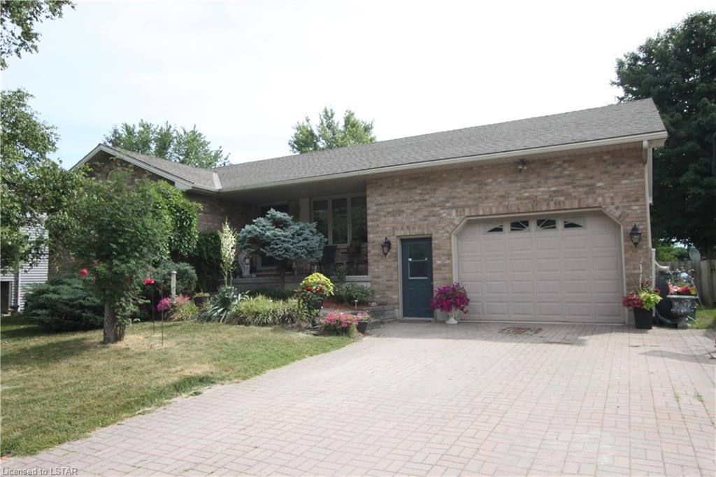 59 LORNE Avenue, Hensall, Ontario (ID 271009)