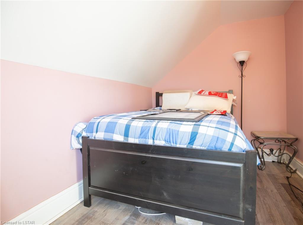 81 QUEEN Street, Hensall, Ontario (ID 40041520)