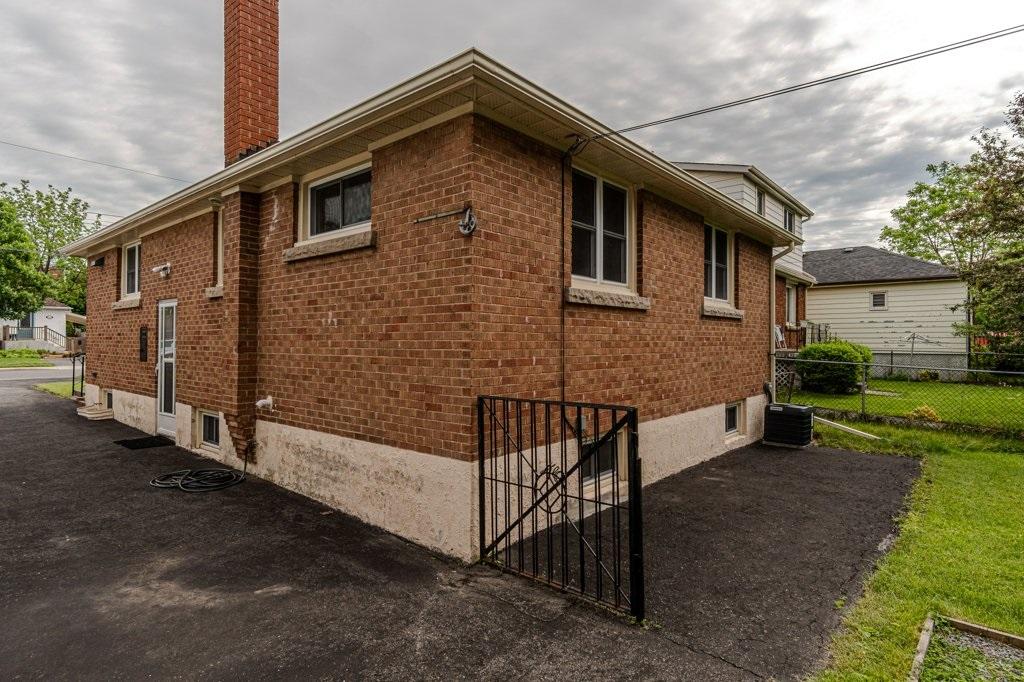 44 Carruthers Avenue, Kingston, Ontario (ID K20003238)