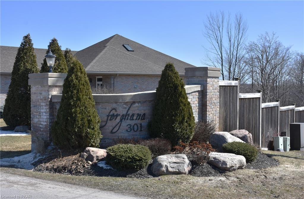 301 CARNEGIE Avenue Unit# 50, Peterborough, Ontario (ID 250790)