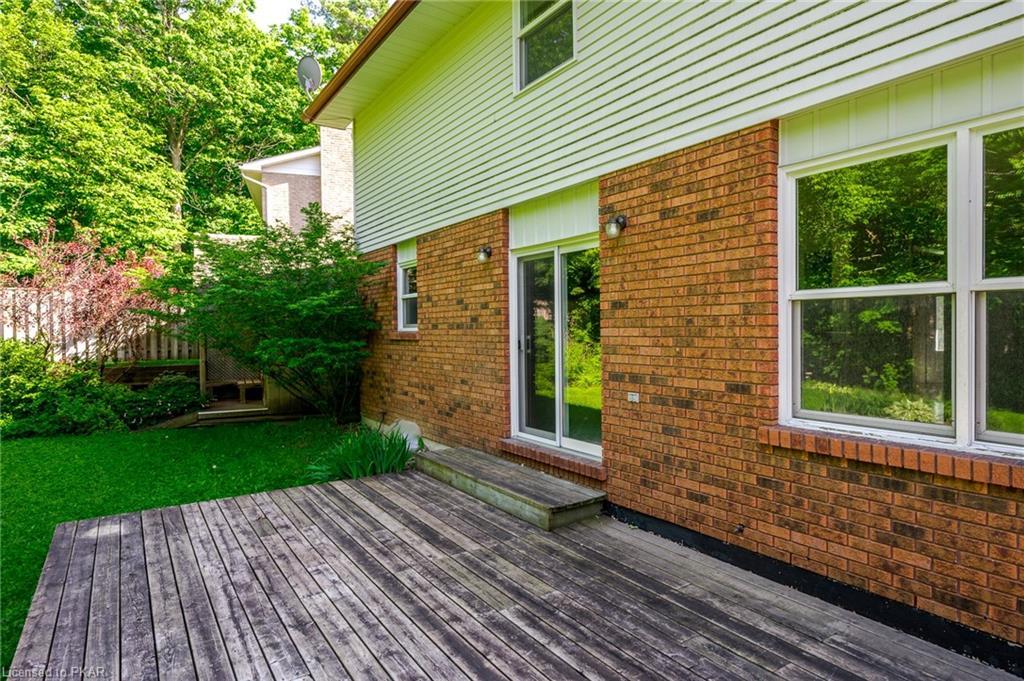 110 OAKWOOD Crescent, Peterborough, Ontario (ID 264131)